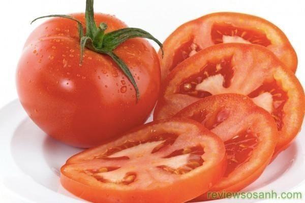Làm đẹp da bằng cà chua đơn giản