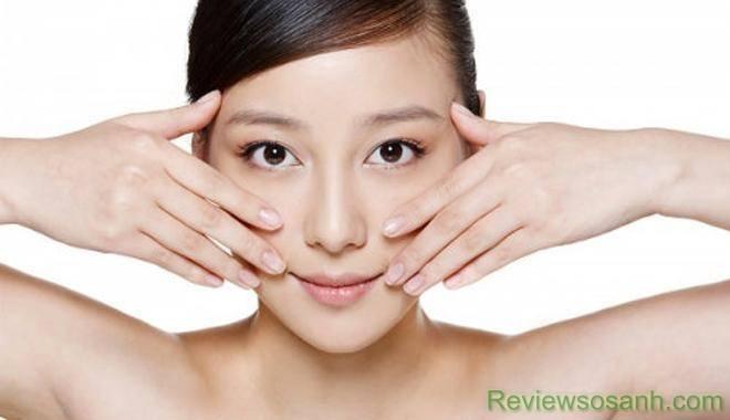 Massage da mặt làm da chắc khỏe tự nhiên