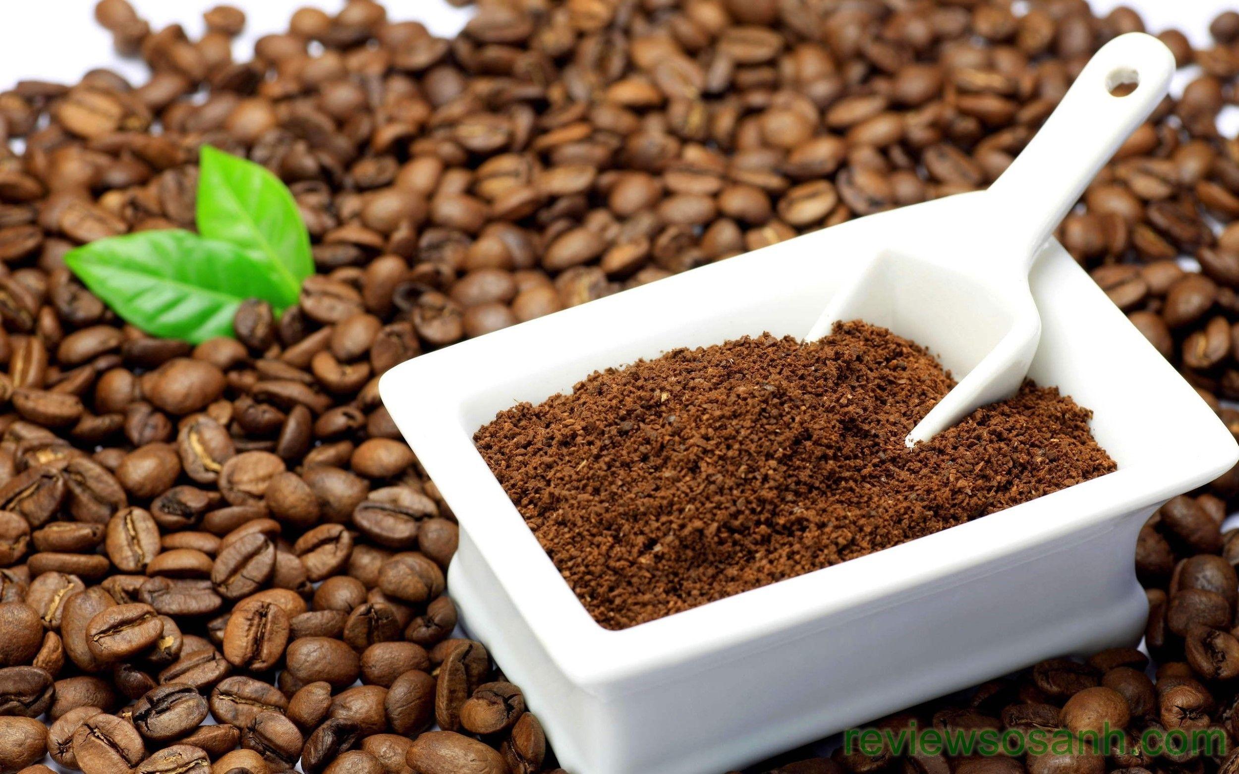 Tận dụng bã cà phê kết hợp với sữa bột để làm trắng da cho nam