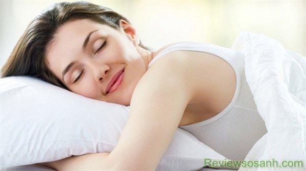 Tập thói quen ngủ đủ giấc mỗi ngày