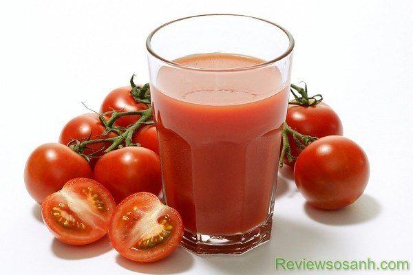 Trị tàn nhang bằng cà chua cũng là phương pháp được nhiều người ưa chuộng