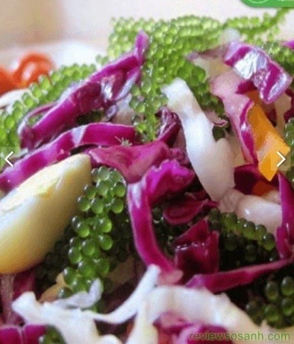 trộn rong nho với salad